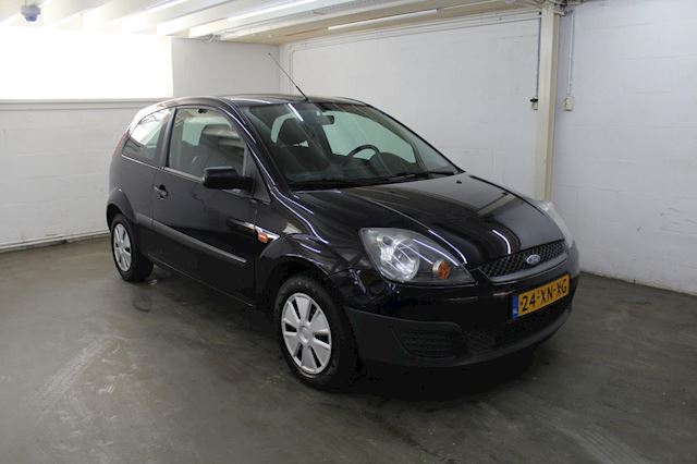 Ford Fiesta 1.3-8V Champion