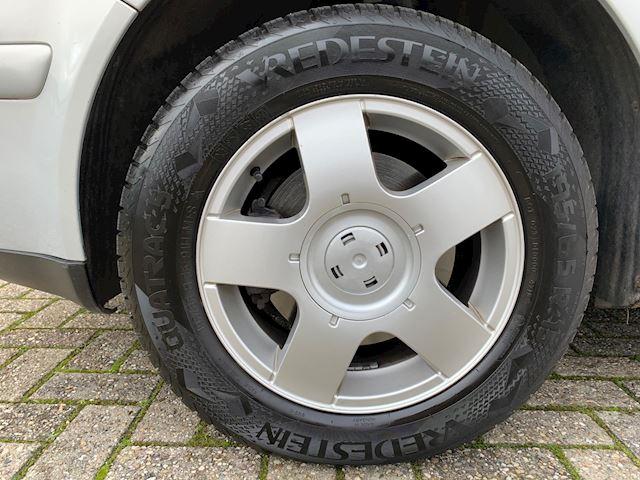 Volkswagen Bora 1.6 Trendline NIEUWE APK, ELEKTRISCHE PAKKET, RIJDT PRIMA.