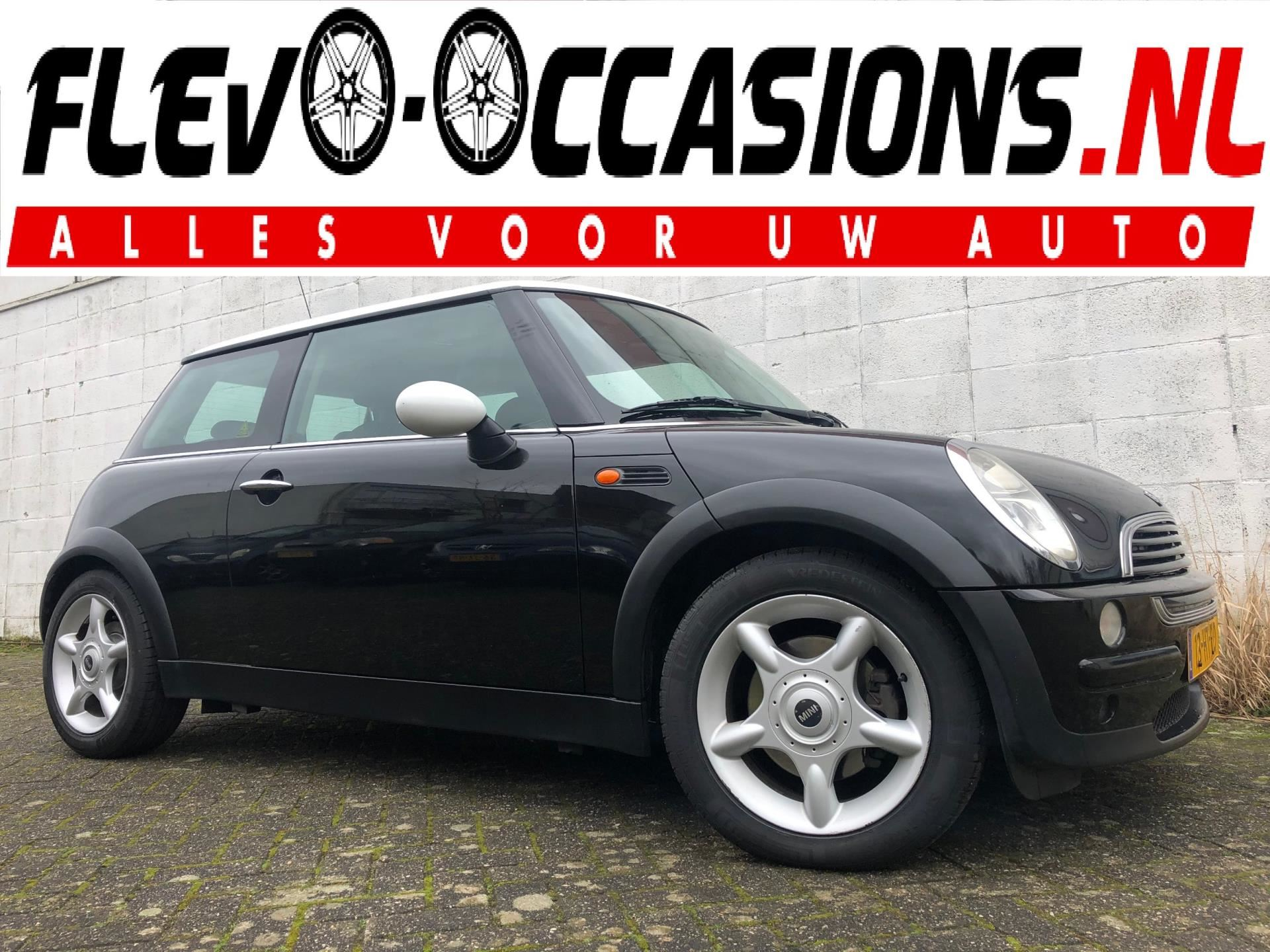 Mini Cooper 1.6 One Salt occasion - Flevo Occasions