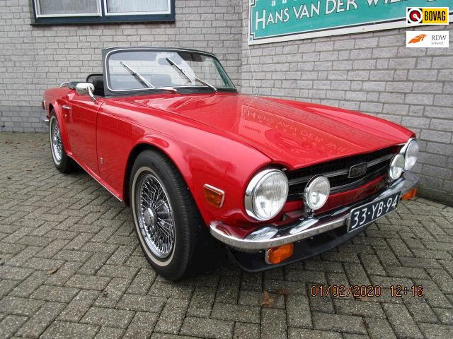 Triumph TR6 Soft Top met overdrive