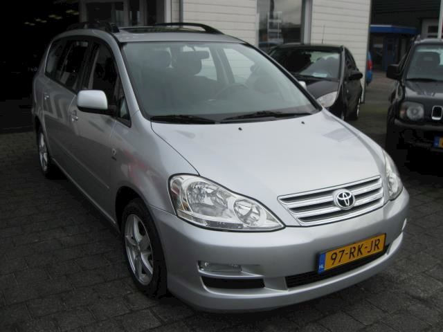 Toyota Avensis Verso 2.0i Linea Sol 7p. (LMV/AIRCO/7-pers.)