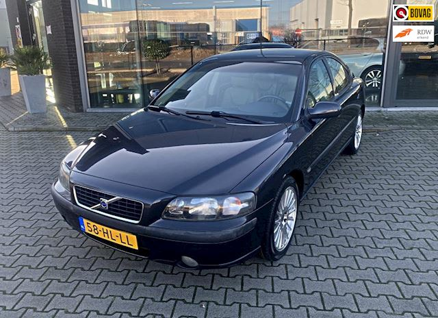 Volvo S60 2.4 T Geartronic *LEDER-AUTOMAAT*