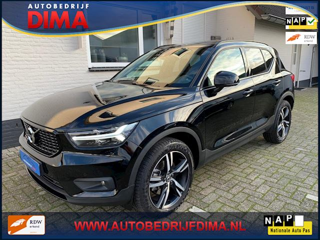 Volvo XC40 2.0 T4 R-Design / Navi/ Pano/ LED/ Camera