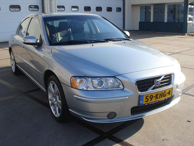 Volvo S60 2.4 Drivers Edition lpg in perfecte staat