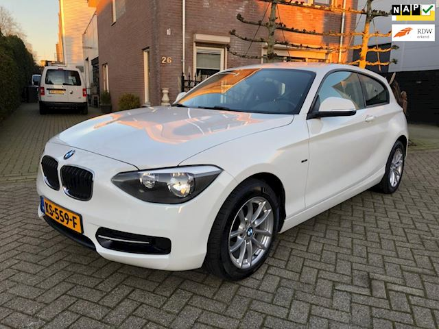 BMW 1-serie 116d Executive sport climat control stoelverwarming