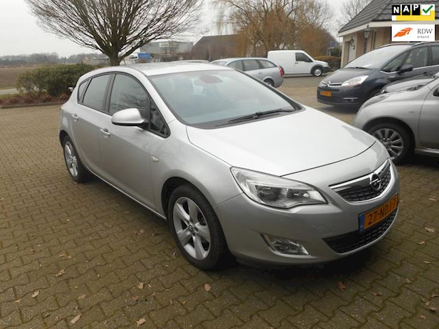 Opel Astra 1.4 Edition bj 2010 airco trekhaak