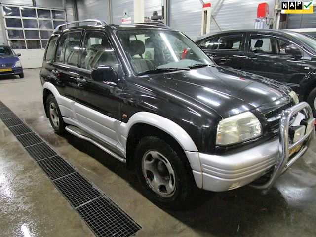 Suzuki Grand Vitara 2.5 V6 .4X4.airco.trekhaak