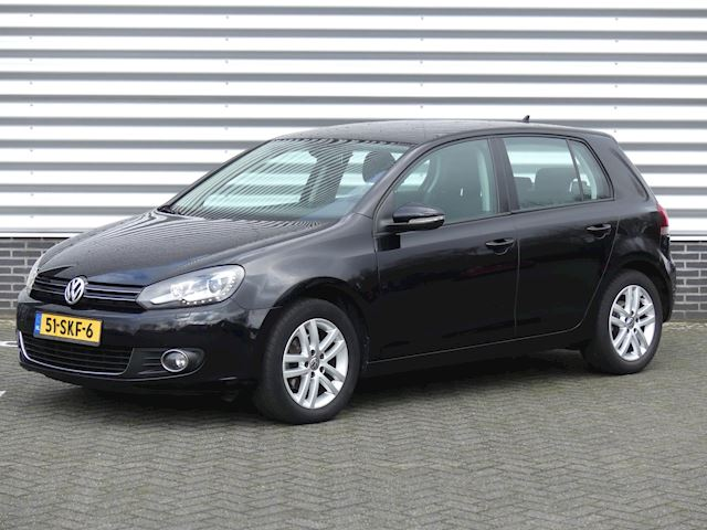 Volkswagen Golf 1.6 TDI Highline BlueMotion DSG aut., Navi, LM