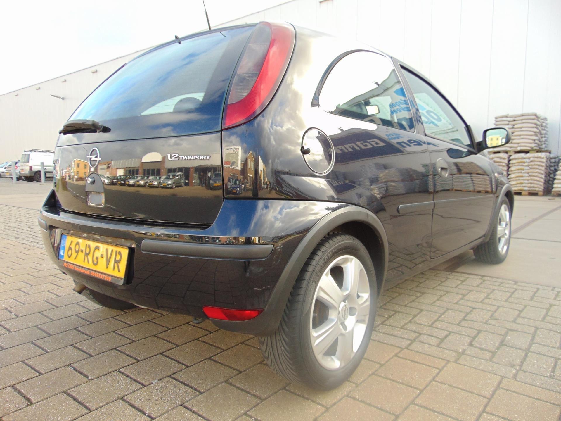Opel Corsa occasion - FB2 Cars