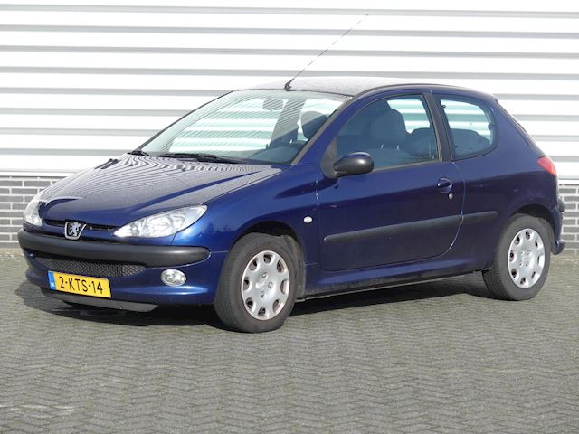 Peugeot 206 1.4 Air-line Airco, CV, R/CD, APK 08-2020