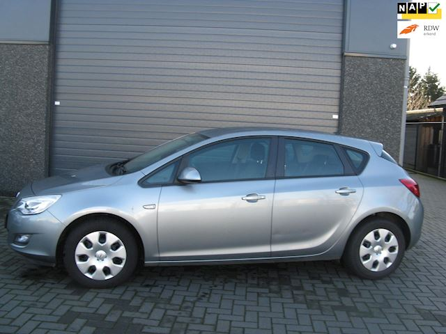 Opel Astra 1.4 Selection