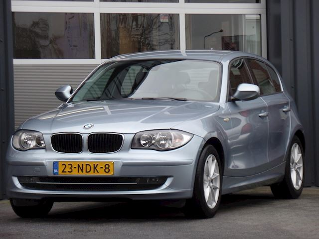 BMW 1-serie 116i Business Line Automaat Navigatie Climatecontrol Cruisecontrol Pdc