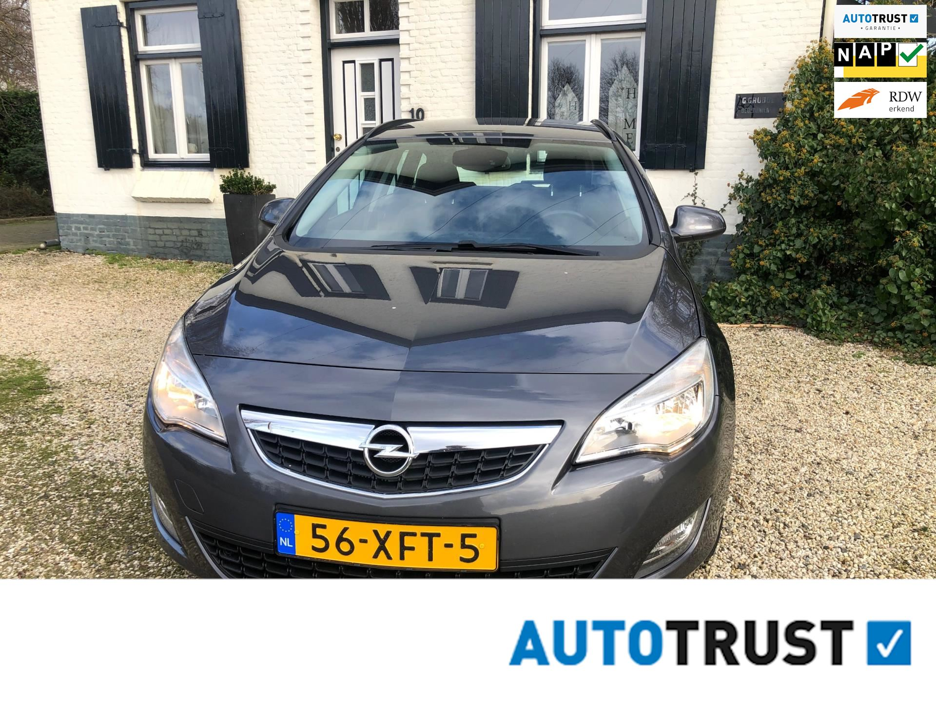 Opel Astra Sports Tourer occasion - M.T.  Car's & Carcleaningcenter