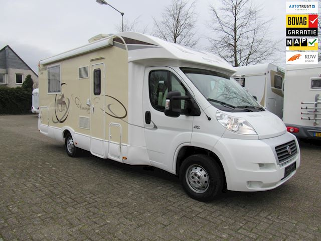 vk Rimor Kentucky Semi integraal Qweensbed  Hefbed bj2013 Full option