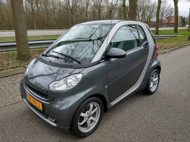 Smart Fortwo coup 1.0 mhd Edition Pure Semi-Automaat, blikvanger