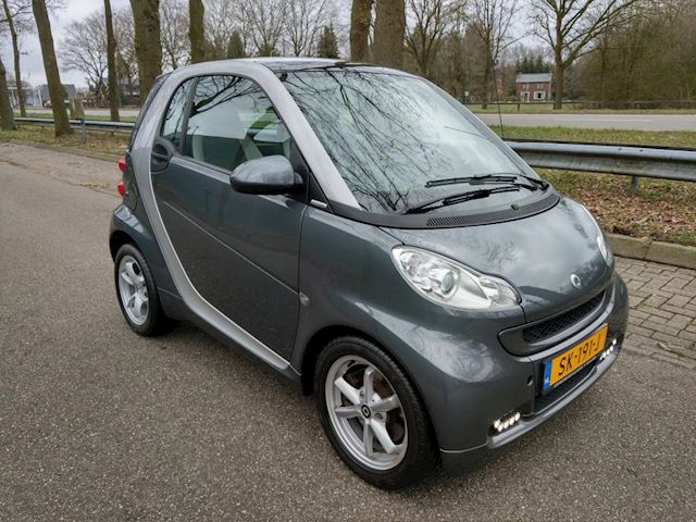 Smart Fortwo coupé 1.0 mhd Edition Pure Semi-Automaat, blikvanger