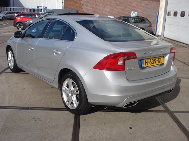 Volvo S60 T5 AUTOMAAT NW STAAT