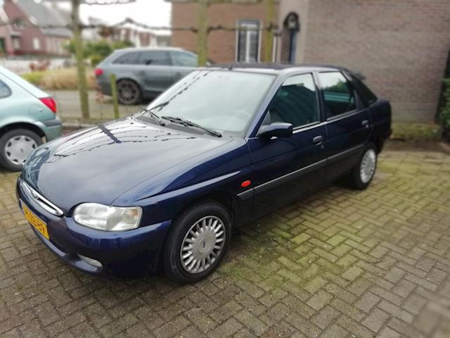 Ford Escort 1.6 Studio CTX