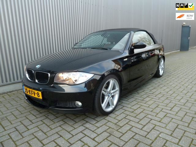 BMW 1-serie Cabrio 118i Executive /M pakket.