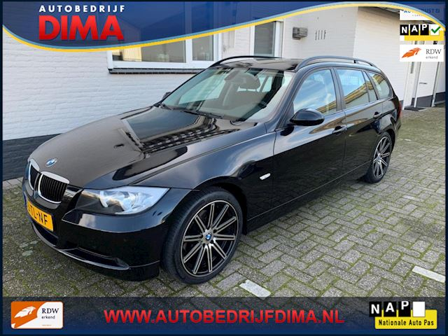 BMW 3-serie Touring 320i High Executive