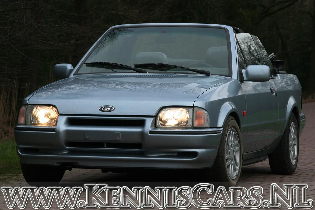Ford 1990 Escort XR3i Cabrio occasion - KennisCars.nl