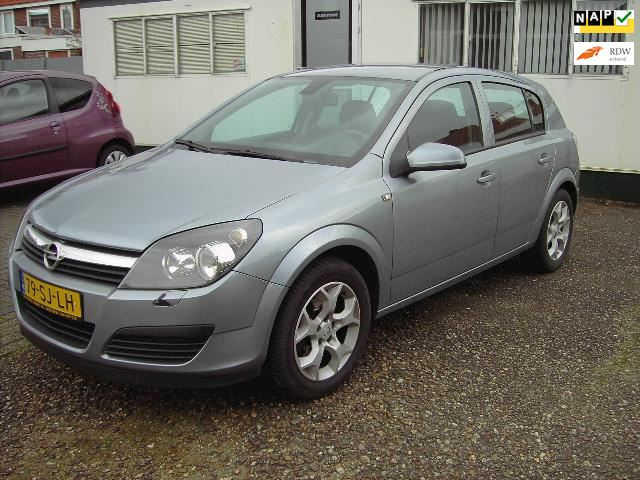 Opel Astra 1.8 Executive