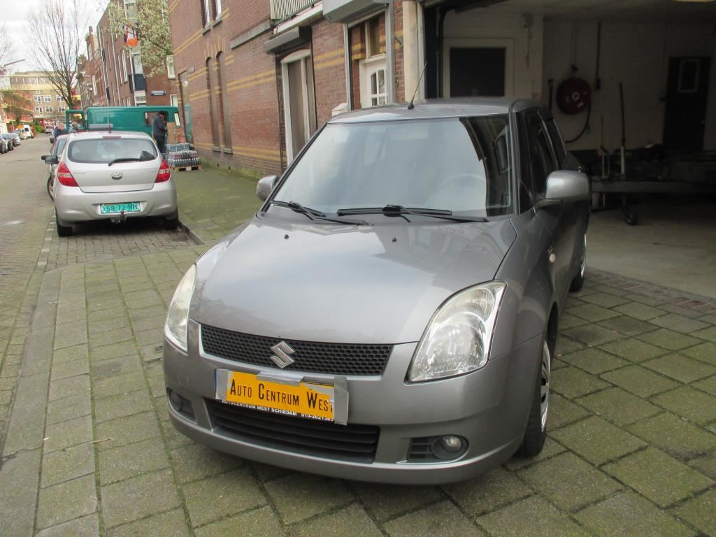 Suzuki Swift occasion - Auto Centrum West B.V.