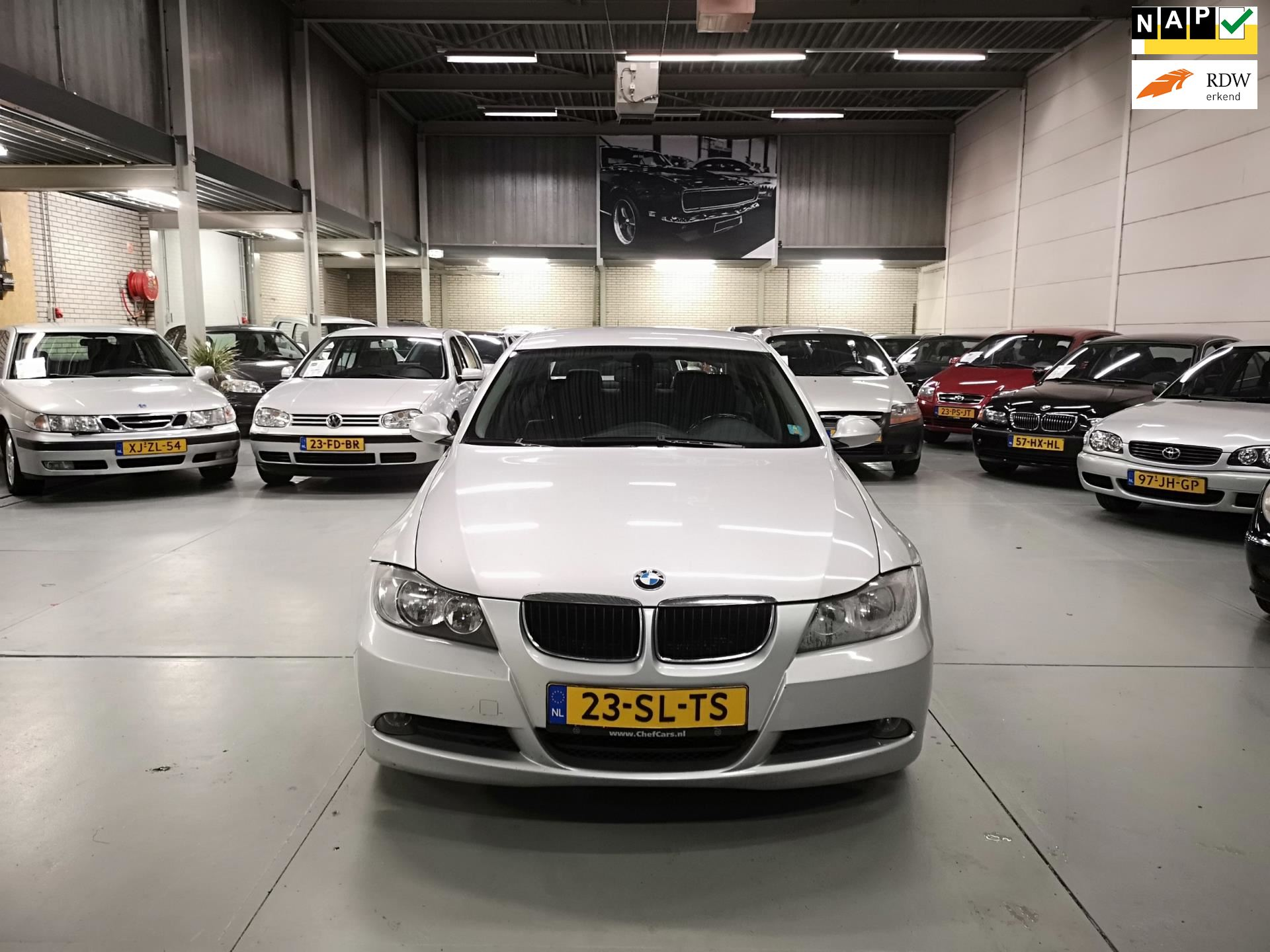 BMW 318d High Exe occasion - Chef Cars
