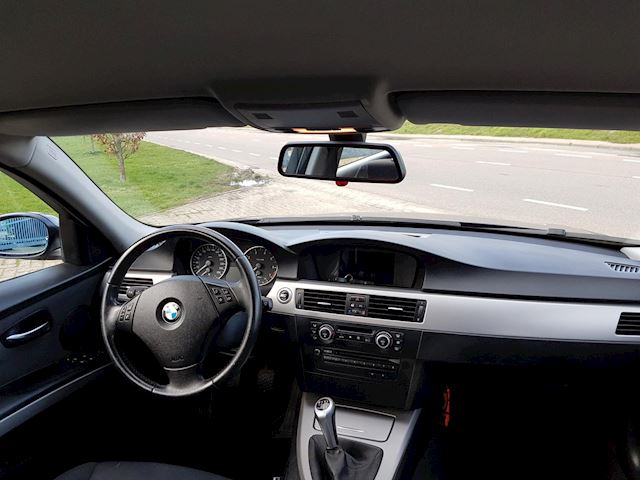 BMW 3-serie Touring 318i Business Line