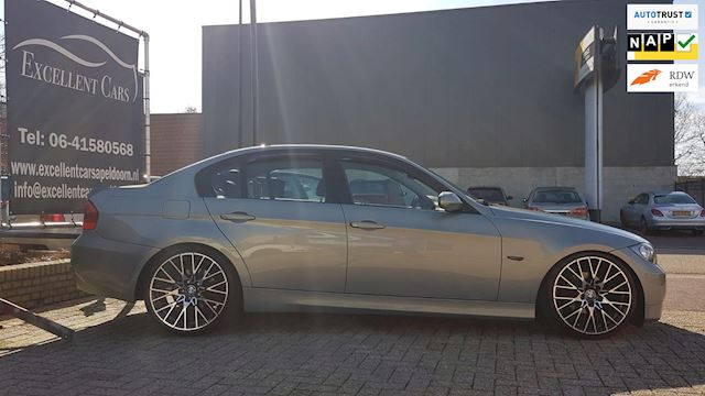 BMW 3-serie 320i High Executive Airco/Leder/Navi/PDC/Trekhaak