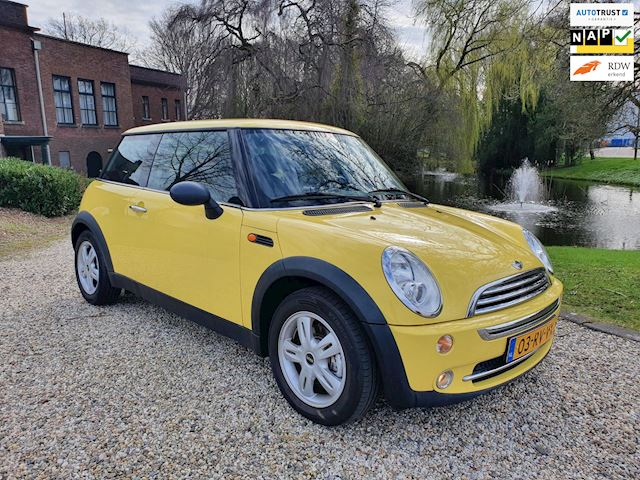 Mini Mini 1.6 One Pepper AIRCO/cruise dealer onderhouden