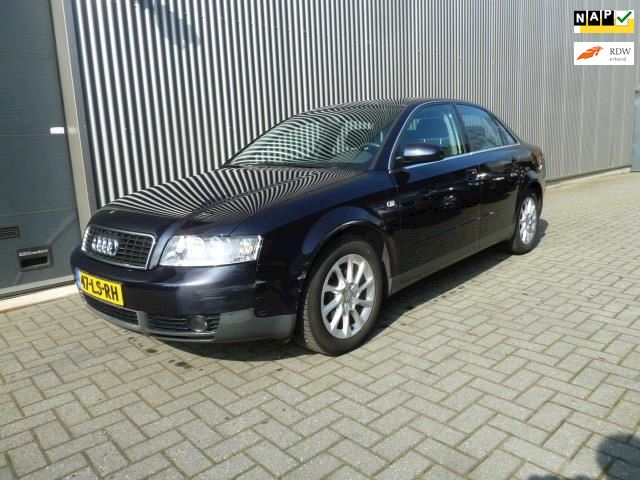 Audi A4 1.6 Exclusive sedan/airco/ecc/audio/lmv.