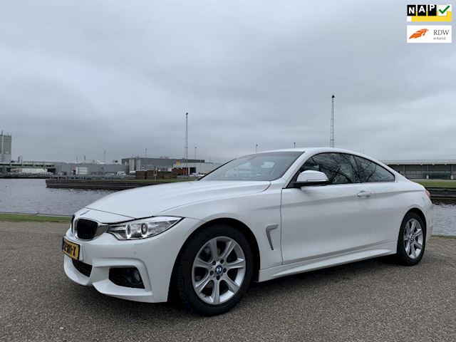 BMW 4-serie Coupé 418d Executive, M-Pakket, Navigatie