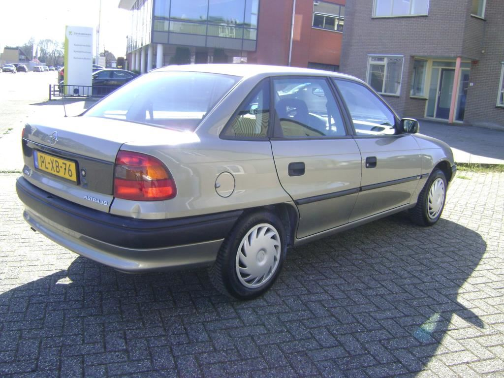 Opel Astra occasion - Middendorp Auto's