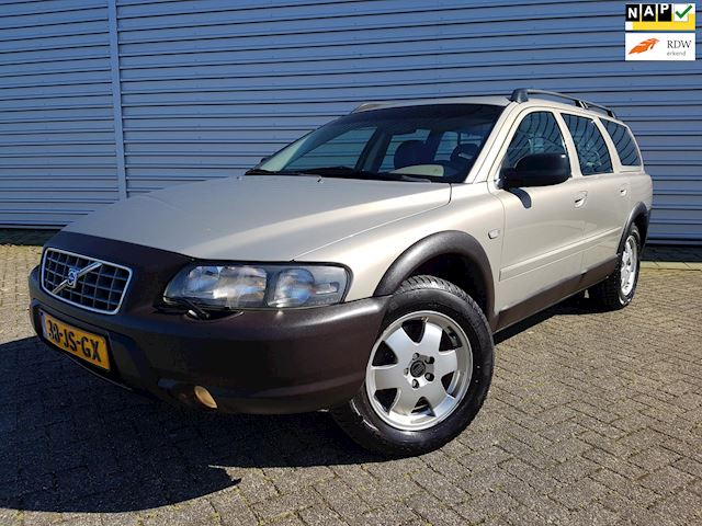 Volvo V70 Cross Country 2.4 T Geartr. Comf. Clima / Cruise / Leder / XC70