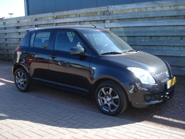 Suzuki Swift occasion - HDM Auto's
