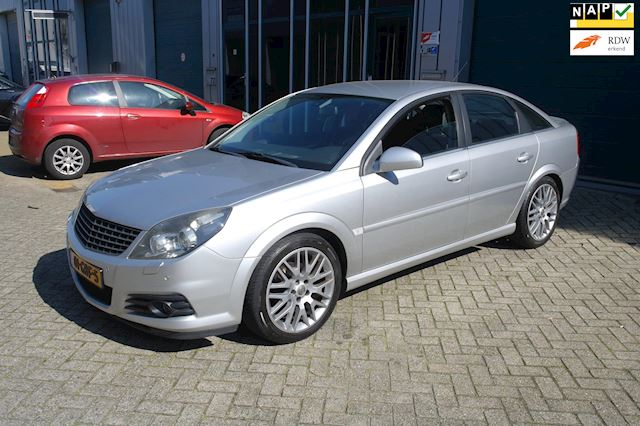 Opel Vectra GTS 2.2-16V Executive
