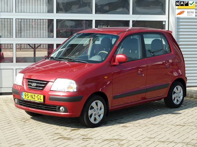 Hyundai Atos 1.1i Dynamic bj.2004 Radio cd | El ramen.