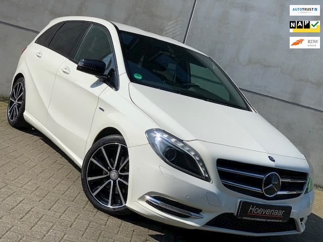 Mercedes-Benz B-klasse 180 NIGHT PAKKET LEDER NAVI CAMERA DEALER ONH