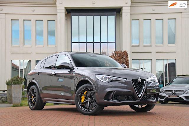 Alfa Romeo Stelvio 2.9 V6 AWD Quadrifoglio Fabrieksgarantie 2023- schaalstoelen - keramische remmen - panoramadak - Carbon package