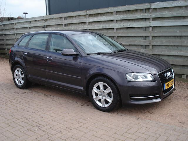 Audi A3 Sportback 1.2 TFSI Attraction Advance Automaat, Navi.