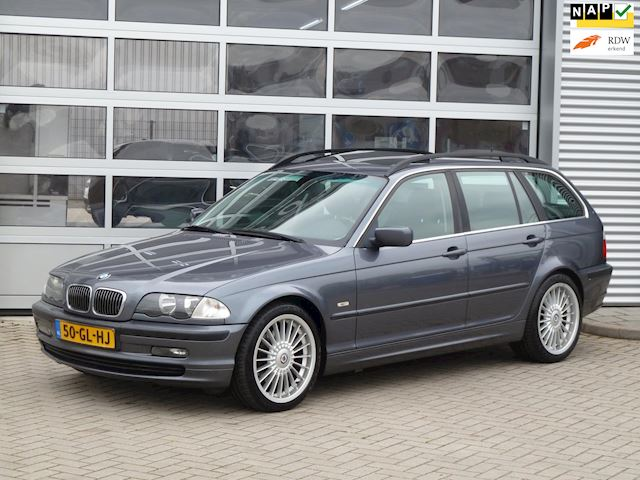 BMW 3-serie Touring 325i Executive bj.2001 Autom. | Opendak | Trekhaak.
