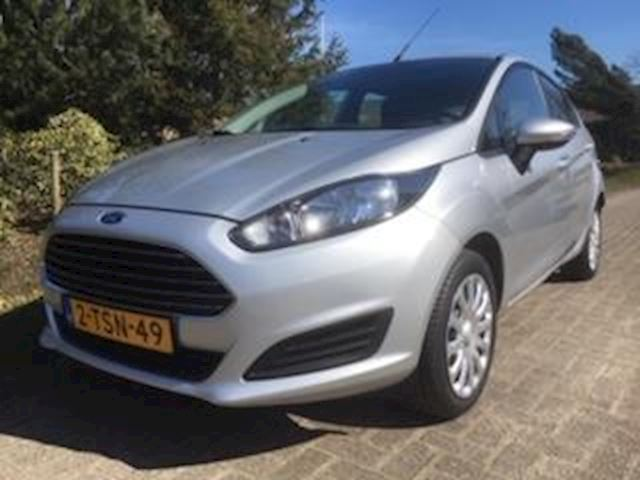 Ford Fiesta 1.0 Style Navigatie/PDC Achter/bleutooth