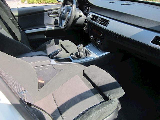 BMW 3-serie 318i M Sport Edition SCHUIFDAK 18 INCH 3 MAAL M PAKKET!!