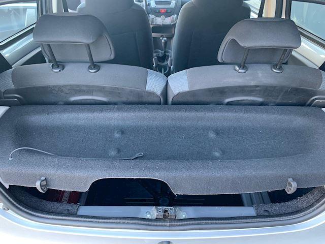 Toyota Aygo 1.0-12V NWE APK!! AIRCO. RIJDT PRIMA.
