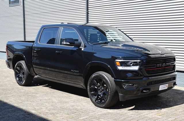 Dodge Ram 1500 Laramie Sport Black 5.7 V8 Hemi / 360 graden camera / elektrische side steps