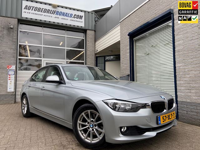 BMW 3-serie 320i Executive Navi/Clima/Cruise/Pdc/Lmv/Dealer Onderhouden
