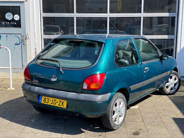 Ford Fiesta 1.3-8V Collection (Bj 2002) 1e eig Airco