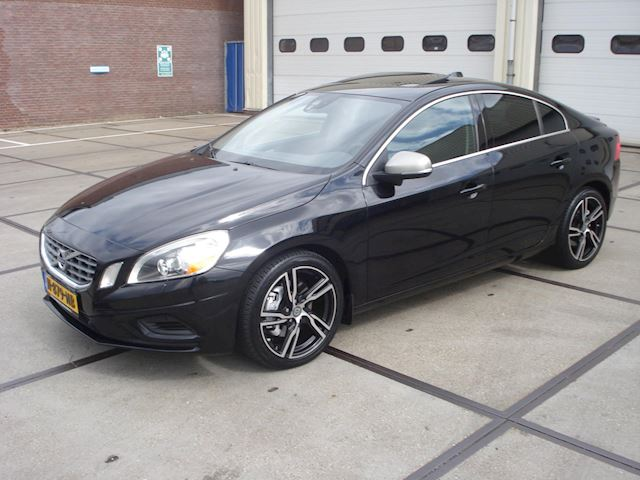 Volvo S60 3.0 T6 AWD R-Design FULL OPTIONS 87118KM