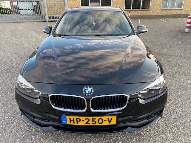 BMW 3-serie Touring 320d EDE Corporate Lease Essential